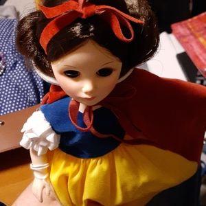 Snow white doll 1984